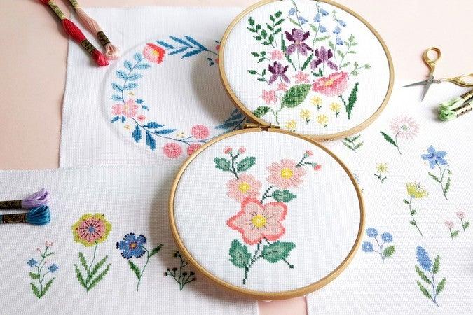 DMC Printed Embroidery Kit Geometry Rules Triangulation TB112 1 Simple Stitch