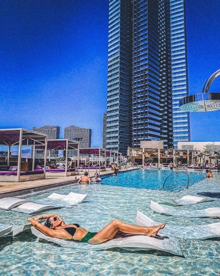 The Cosmopolitan S Rooftop Ice Rink Invites Visitors To Take A Spin Las Vegas Review Journal